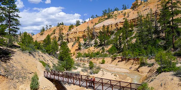 Trail of the Mossy Caves hike in Bryce Canyon National Park, Utah
