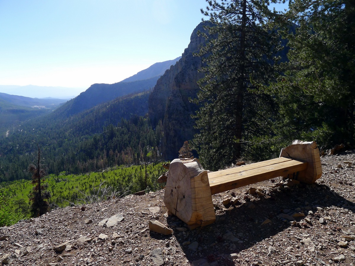 Rest bench on the Cathedral Rock Hike near Las Vegas