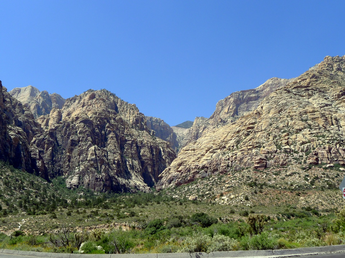 View of the canyon from the trailhead of the Icebox Canyon Hike near Las Vegas