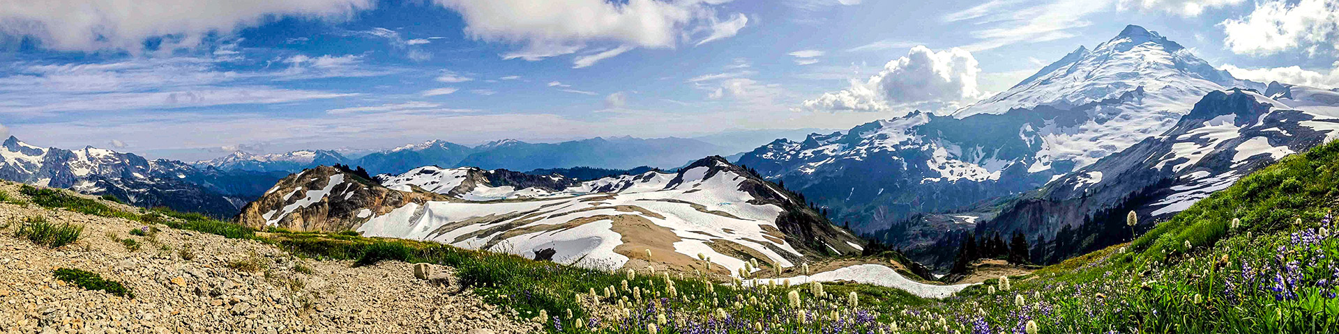 Ptarmigan Ridge hike in Mt. Baker-Snoqualmie National Forest