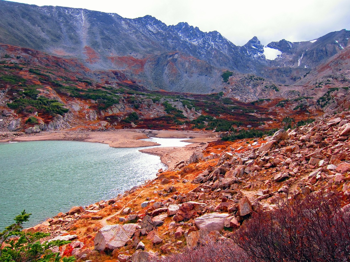 Lake Isabelle Trail Hike (Indian Peaks, Colorado) is surrounded by beautiful colours