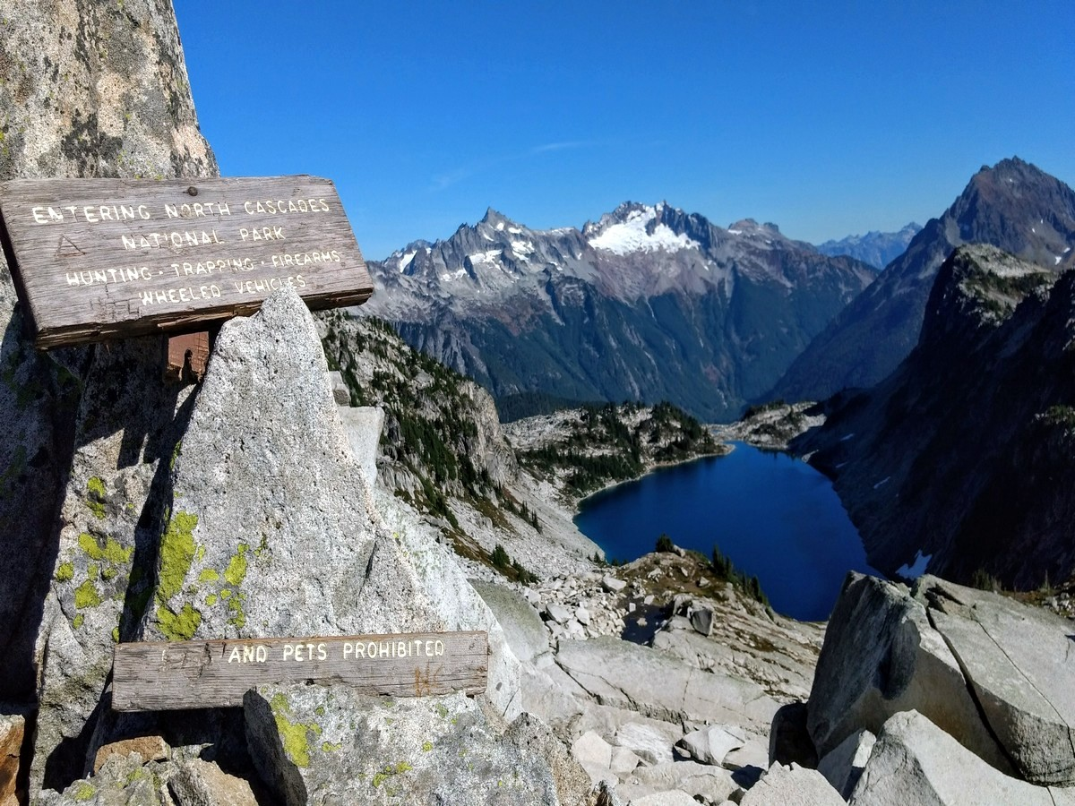 Hidden Lake trail in North Cascades has some beautiful views