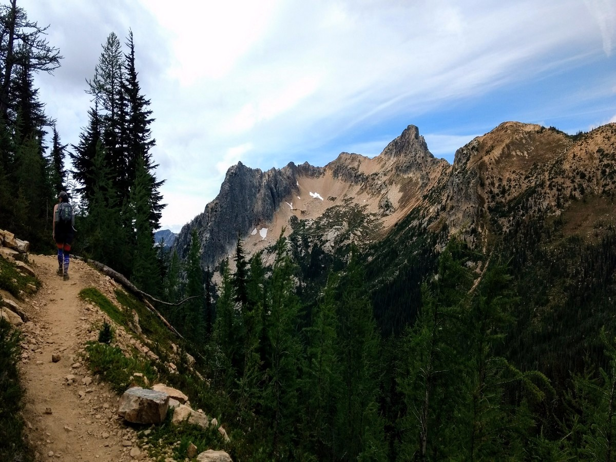 Porcupine Peak views on the Cutthroat Pass Hike in North Cascades National Park, Washington