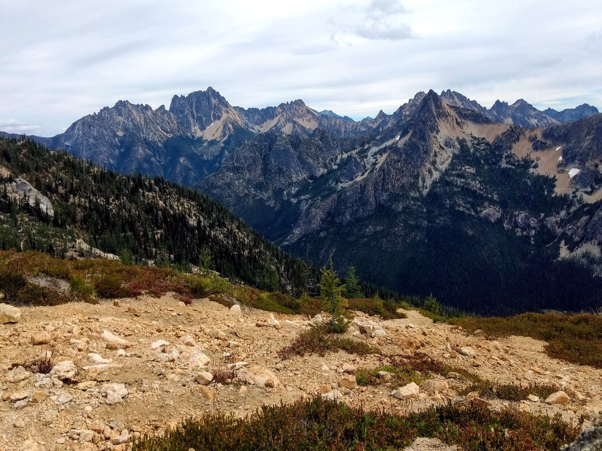 Cutthroat Pass trail has some of the best views in North Cascades