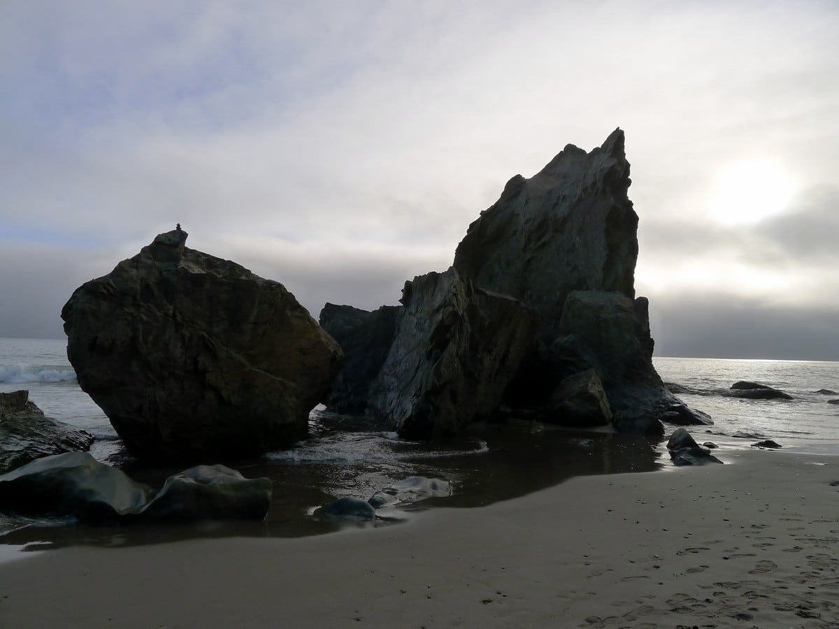 Large rocks near the Hole in the Wall trail in Olympic National Park