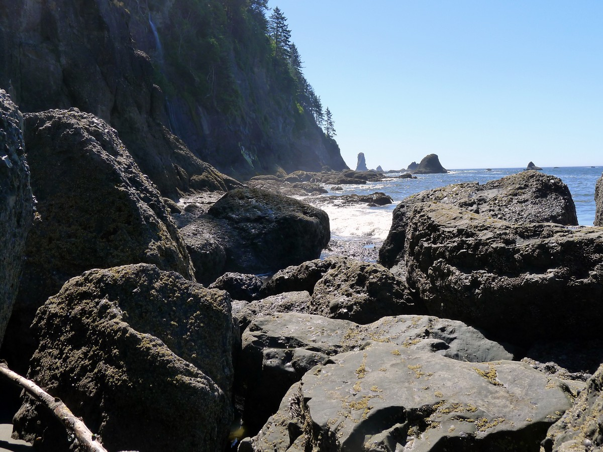 Waves crashing on rocks on the Third Beach trail in Olympic National Park, Washington