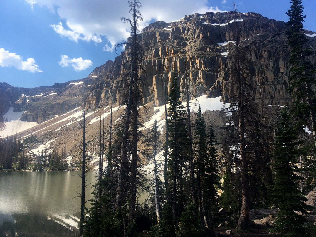 The scenery of the Ibantik Lake hike in the Uinta Mountains, Utah