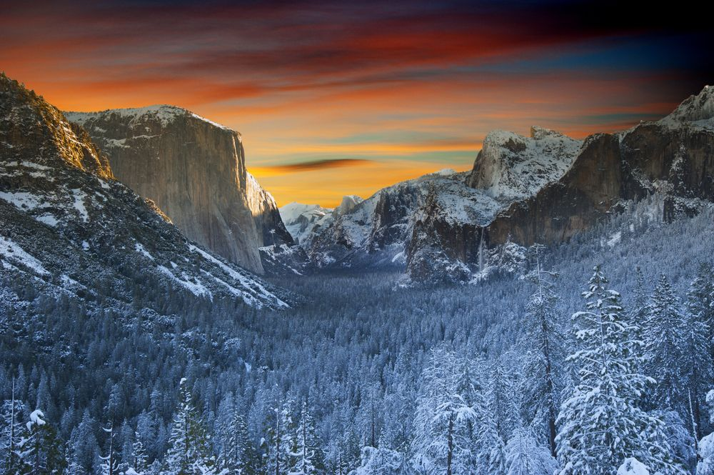 Beautiful valley on a winter weekend in Yosemite National Park