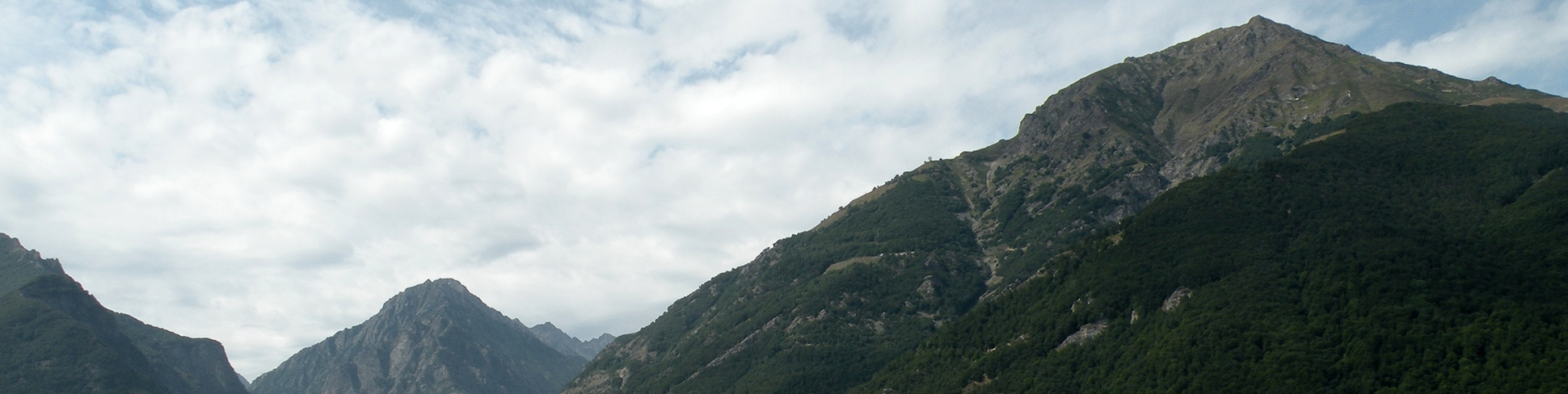 Views from Gorge Della Reina hike
