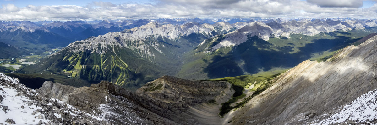 Summit panorama to the west of Cascade Mountain scramble in Banff National Park