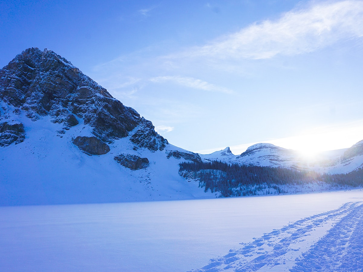 Views of Bow Lake snowshoe trail in Banff National Park