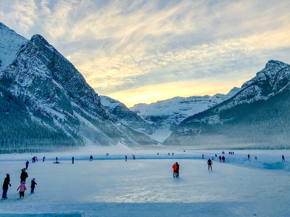 Start of Chateau to Village on Tramline and Bow River XC ski trail in Lake Louise, Banff National Park