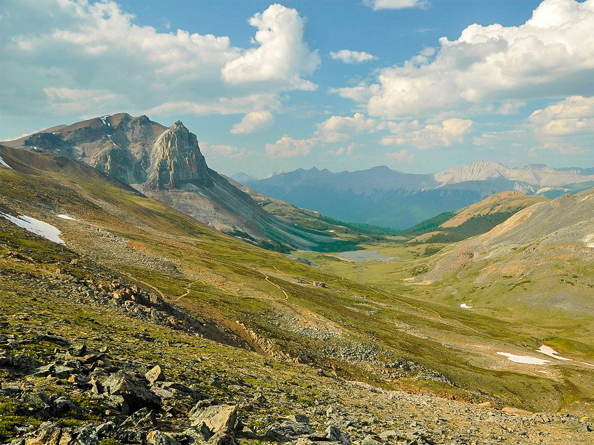 Amazing views on Skyline backpacking trail in Jasper National Park