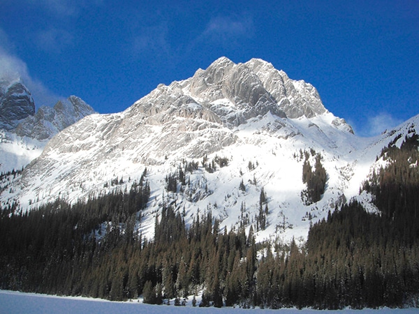Scenery from the Burstall Lakes snowshoeing trail in Kananaskis near Canmore