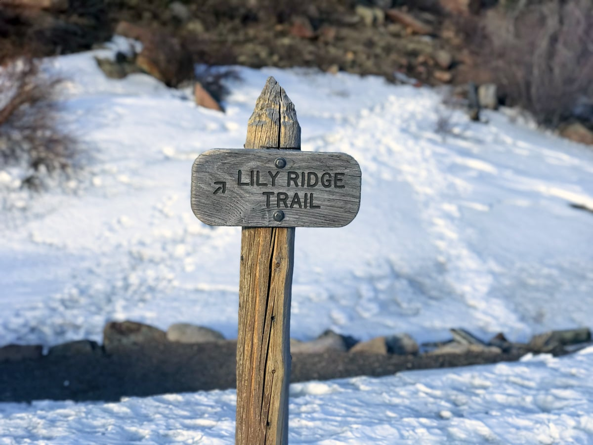 Trailhead of Lily Ridge trail in Rocky Mountain National Park, Colorado