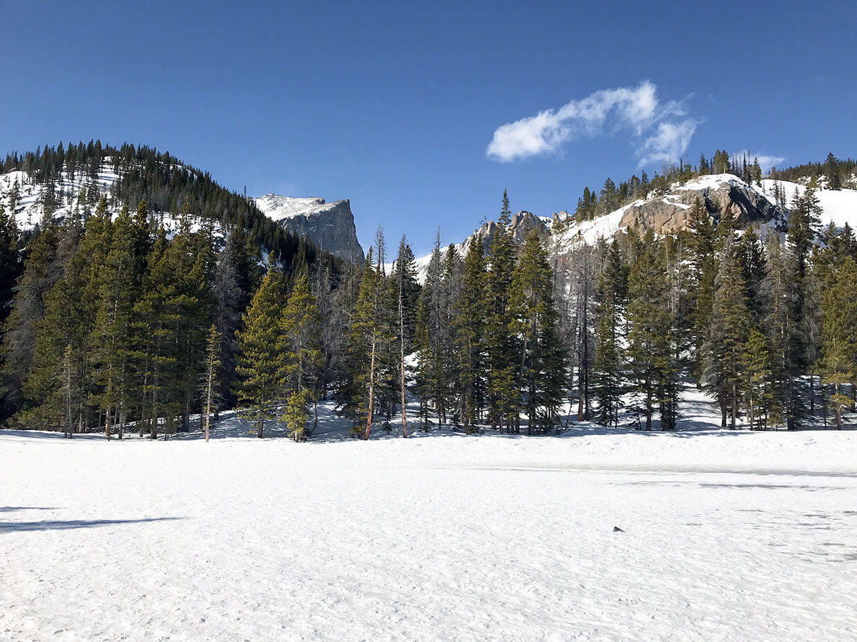 Views on Nymph Lake snowshoe trail in Rocky Mountain National Park, Colorado