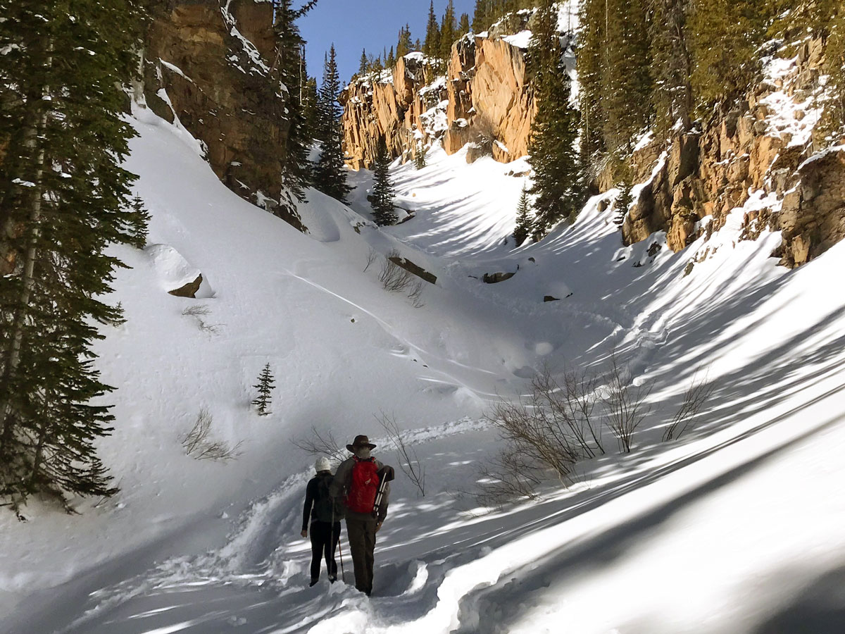 Great trail of The Loch snowshoe trail in Rocky Mountain National Park, Colorado