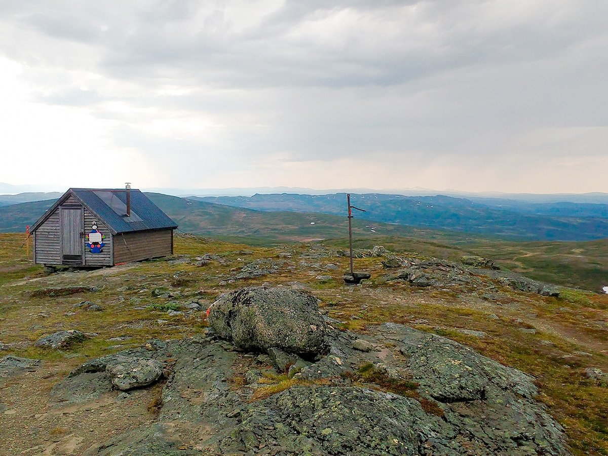Cabin on the mountain top on Välliste runt hike in Åre, Sweden