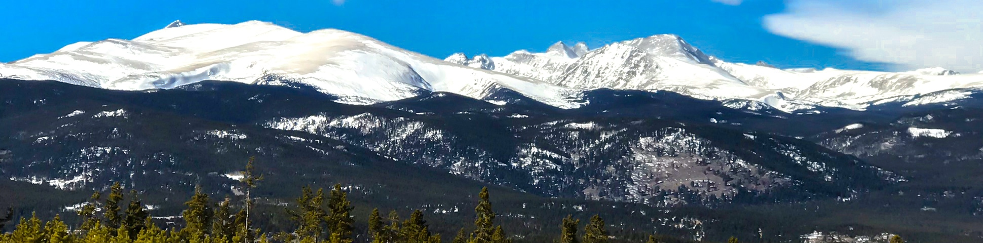 Panorama on Dot snowshoe trail in Indian Peaks, Colorado