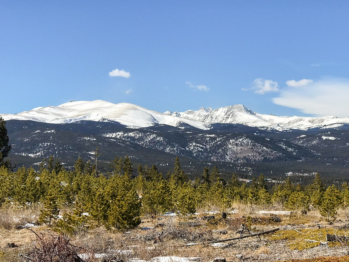 Mountain tops on Dot snowshoe trail in Indian Peaks, Colorado