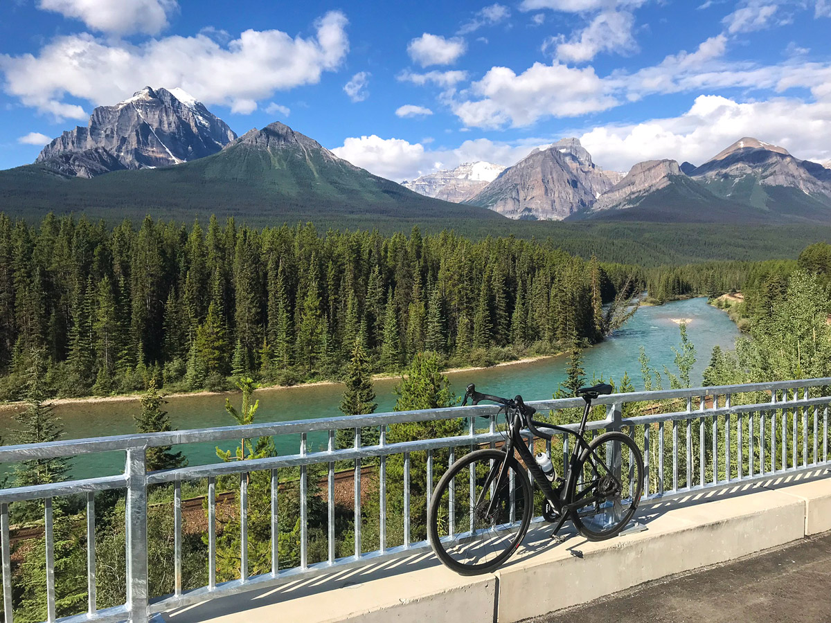 Bike and beautiful view on Banff to Lake Louise road biking route in the Canadian Rockies