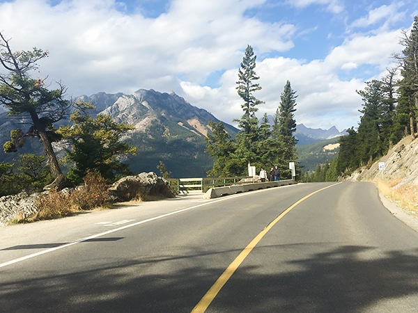 Scenery on Tunnel Mountain Loop road biking route in Banff, the Canadian Rockies