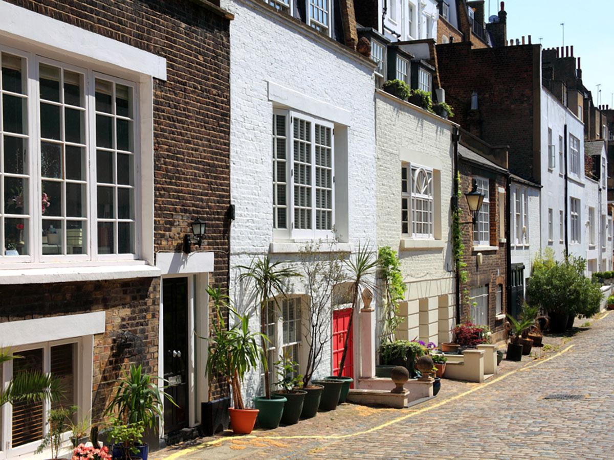 Elegant London mews houses on city-walk in London, England