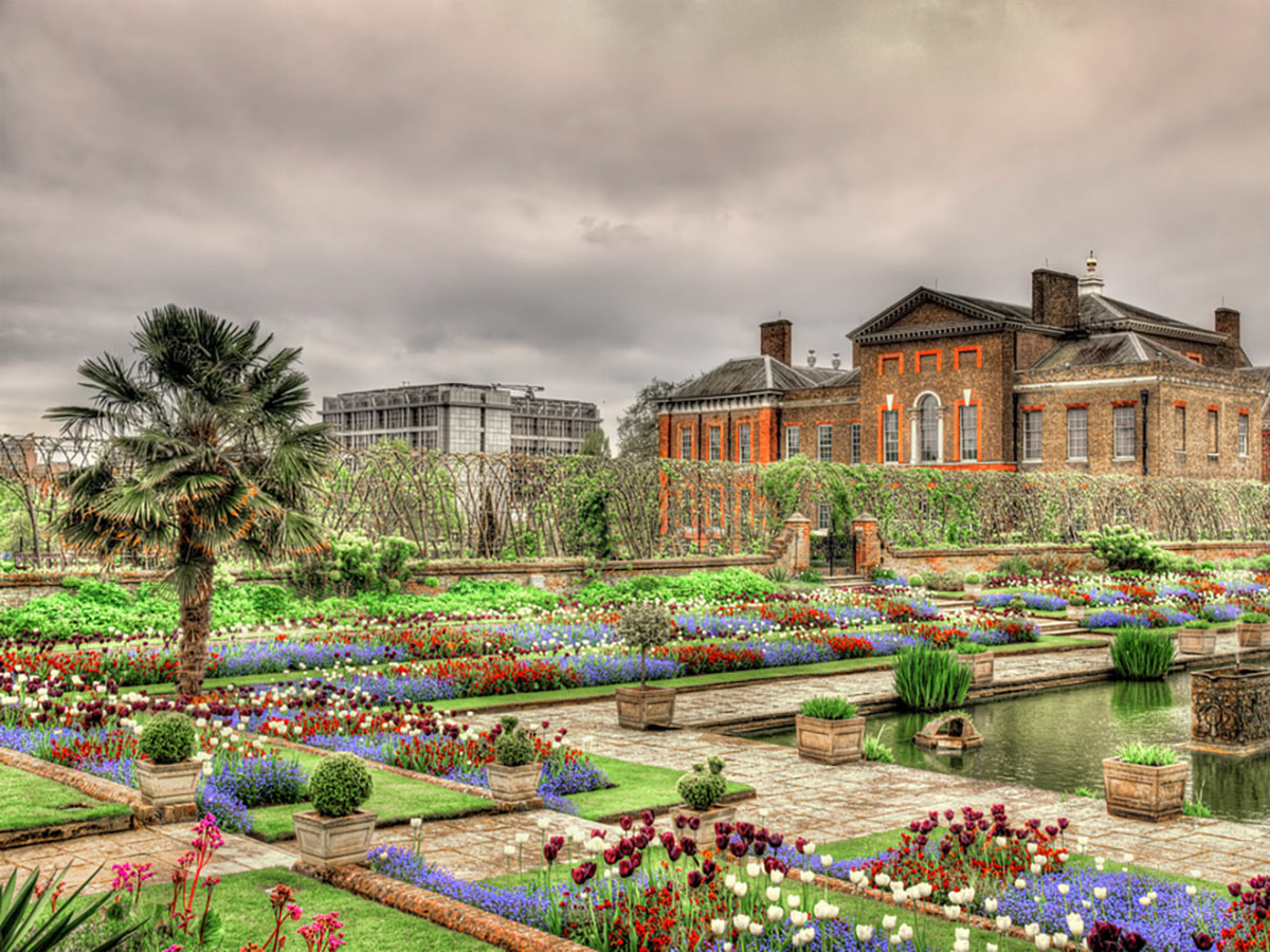 View of Kensington Palace on St. James, Green, Hyde and Kensington parks walking tour in London, England
