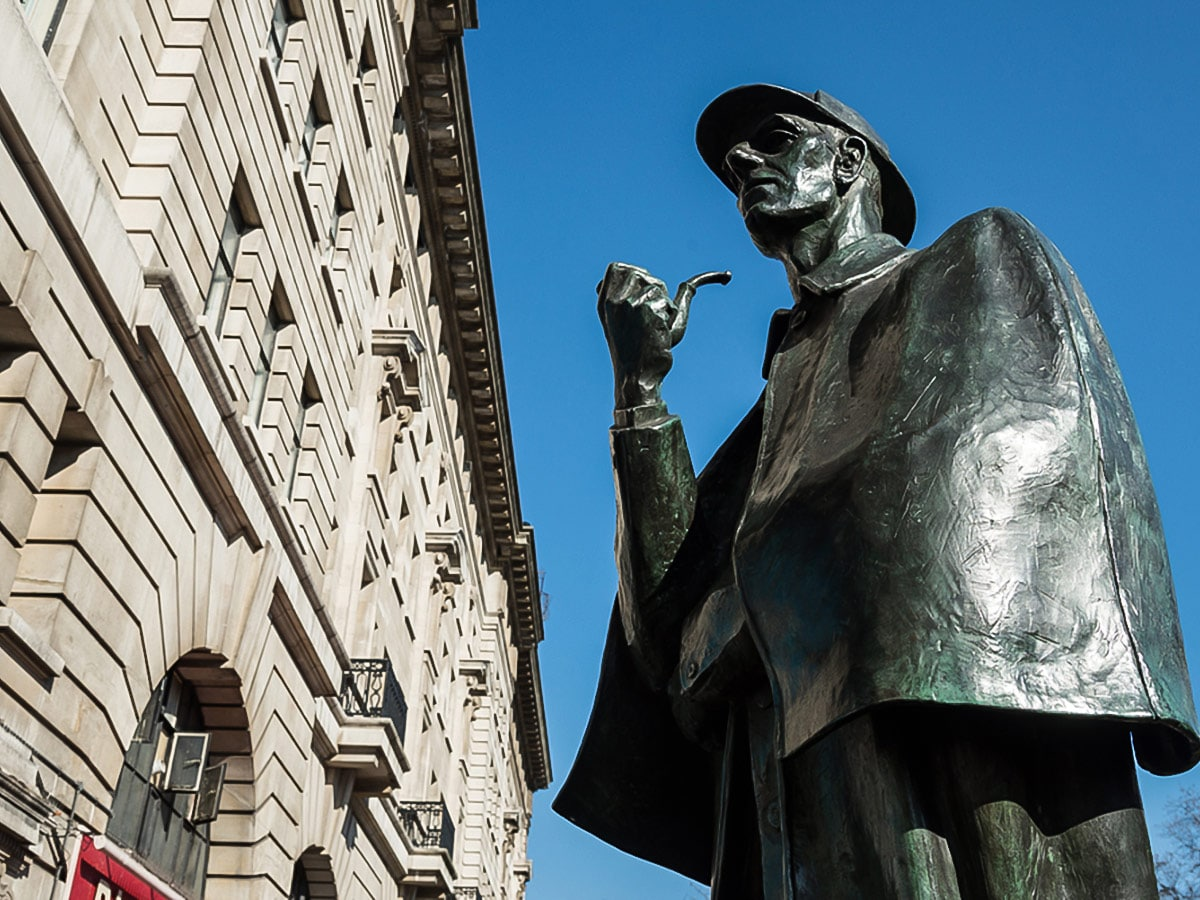 Sherlock Holmes Statue on Baker Street, Regents Park, Fitzrovia and the British Museum walking tour in London, England