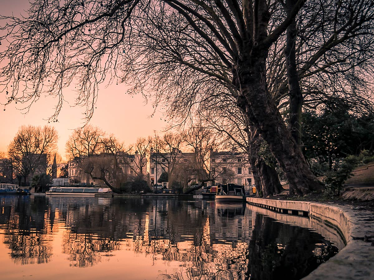 Little Venice at Dawn on Regent's Canal from Edgware Road to Camden Town walking tour in London, England