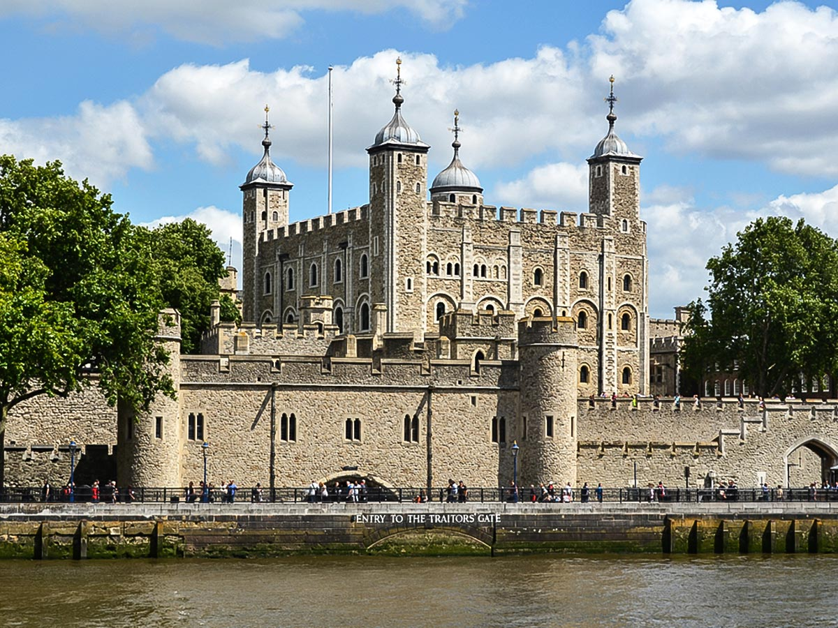 Tower of London on Greenwich to The Tower via Canary Wharf and the Thames walking tour in London, England