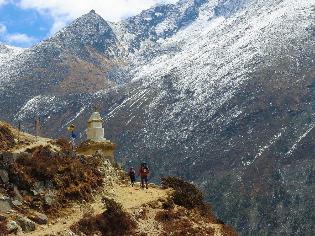 Stunning views on the trek to Dingboche