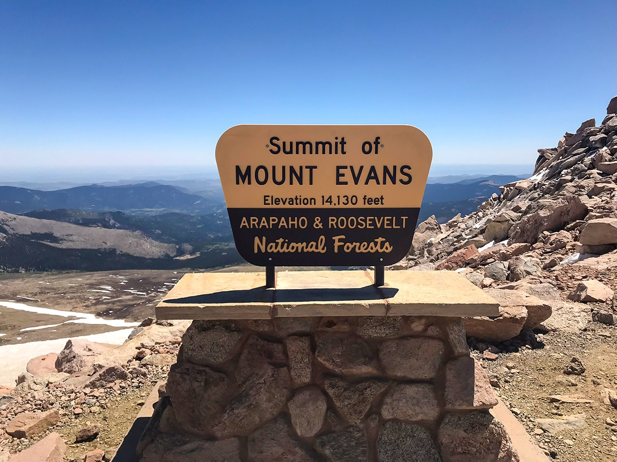 Mount Evans hike near Denver has the scenery of snowy peaks during the winter
