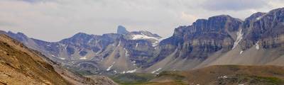 Hiking trails along Icefields Parkway, between Banff and Jasper