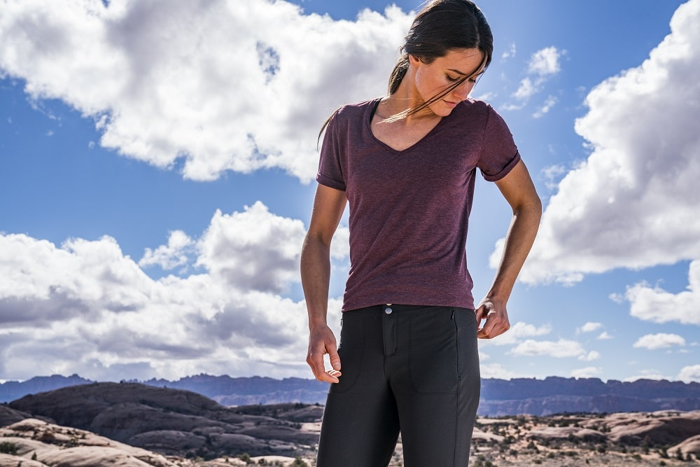 Stylish clothing for hiking, ladies pants l 10Adventures