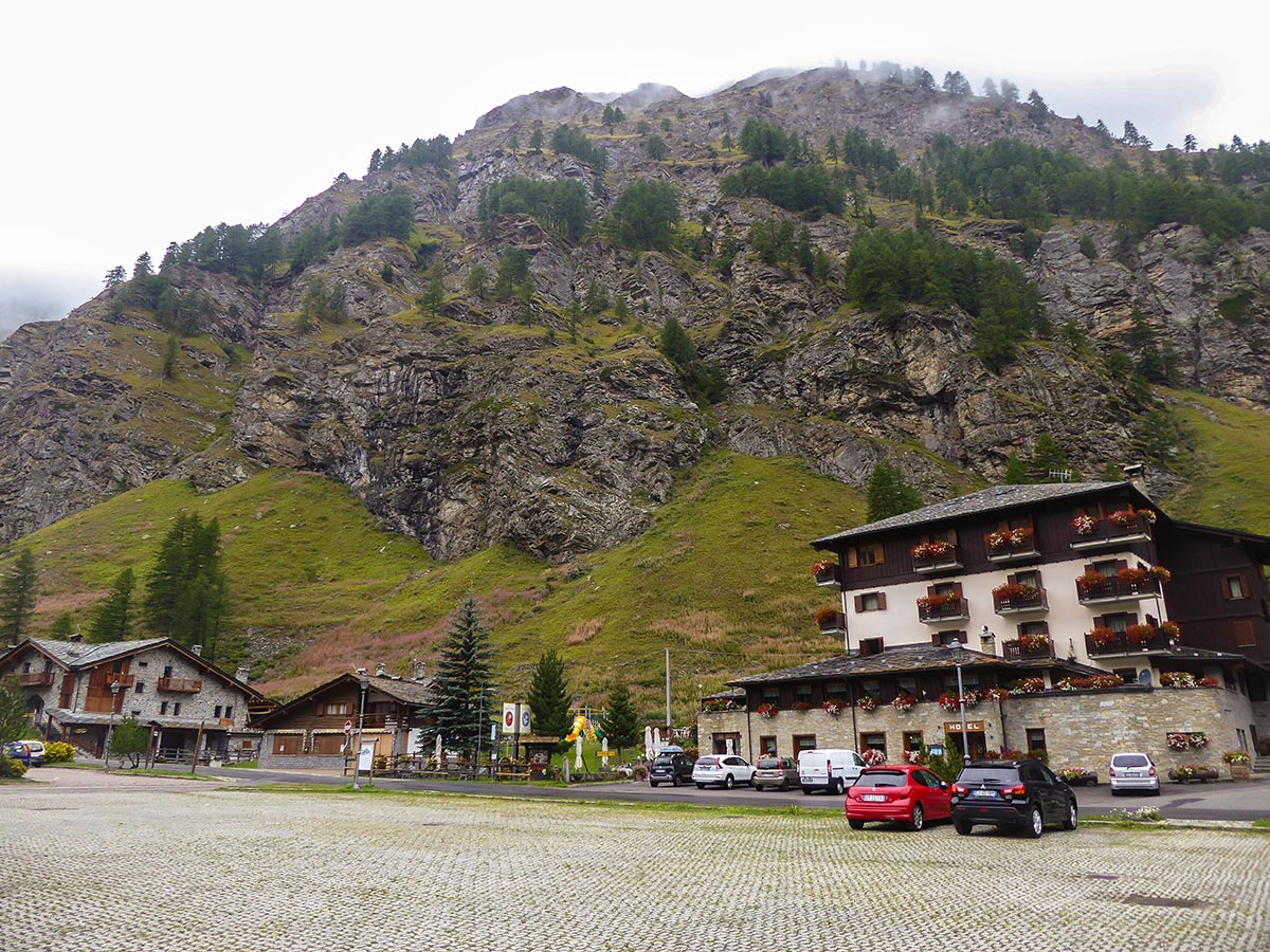 Parking in Chanavey on Lago Pellaud via the Grand Rû Ring hike near Gran Paradiso National Park, Italy