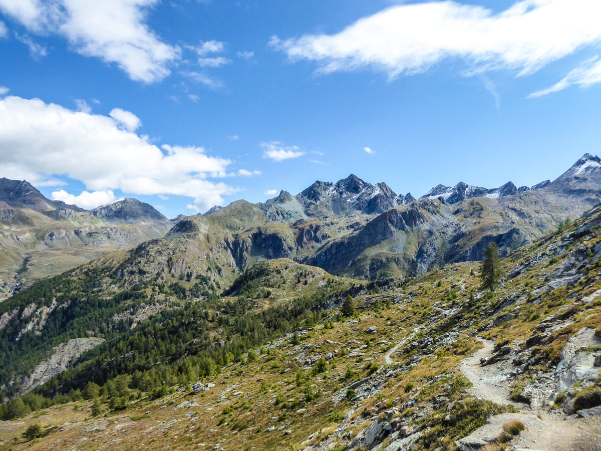 Trail to Bardoney Valley on Lago di Loie hike in Gran Paradiso National Park, Italy