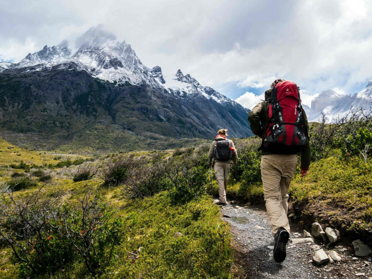 Hiking with light backpacks and light gear