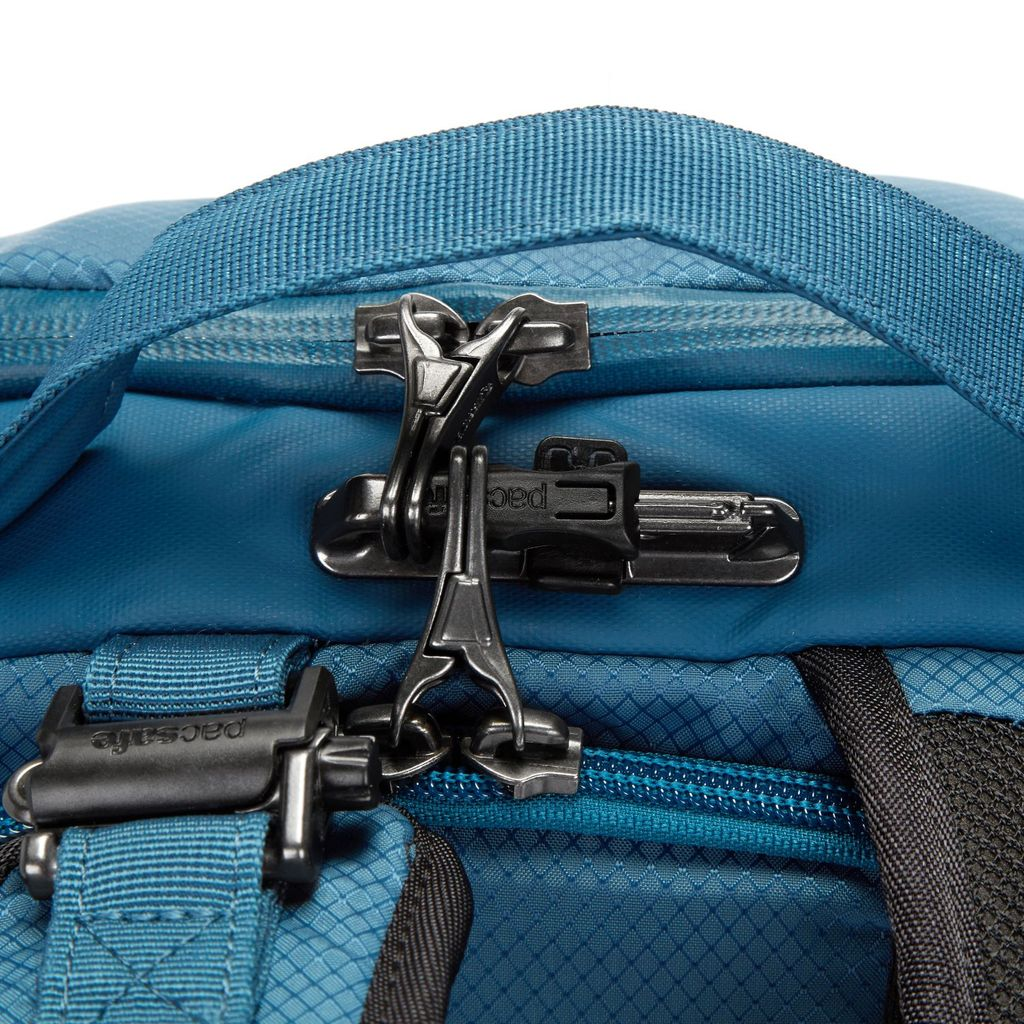 Pacsafe Venturesafe 34L locking mechanisms