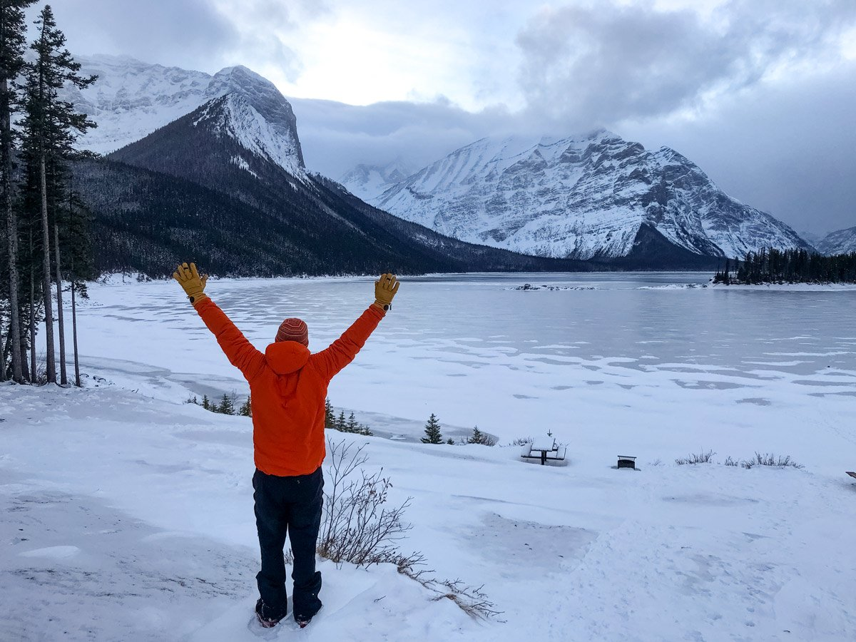 Gear testing BlackDiamond brand Guide Gloves winter in the canadian rockies