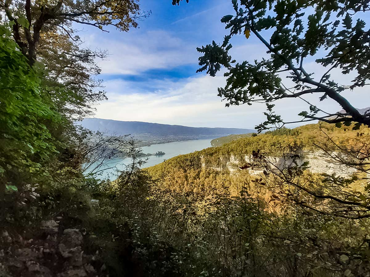 Viewpoint lake annecy Angon waterfalls hiking in France
