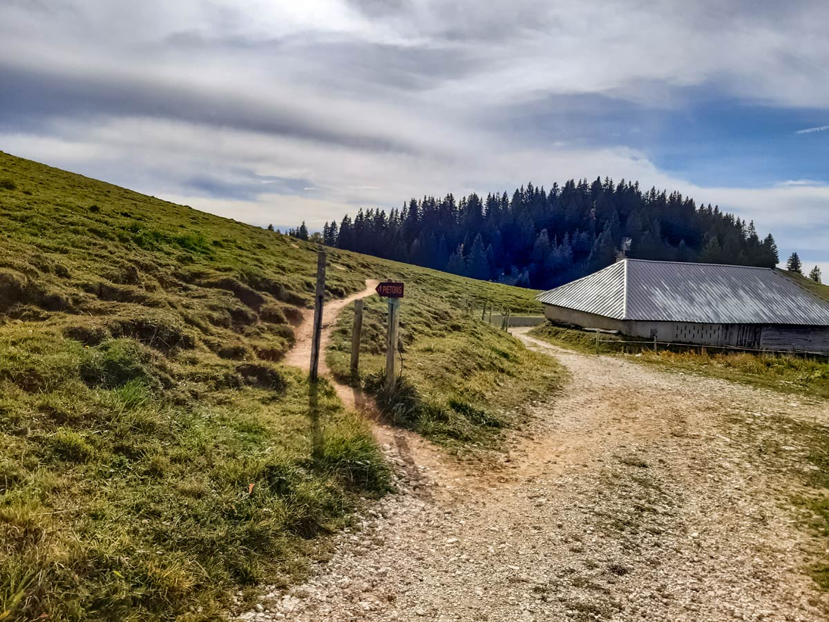 Small trail to lookout point along Semnoz hiking trail in France