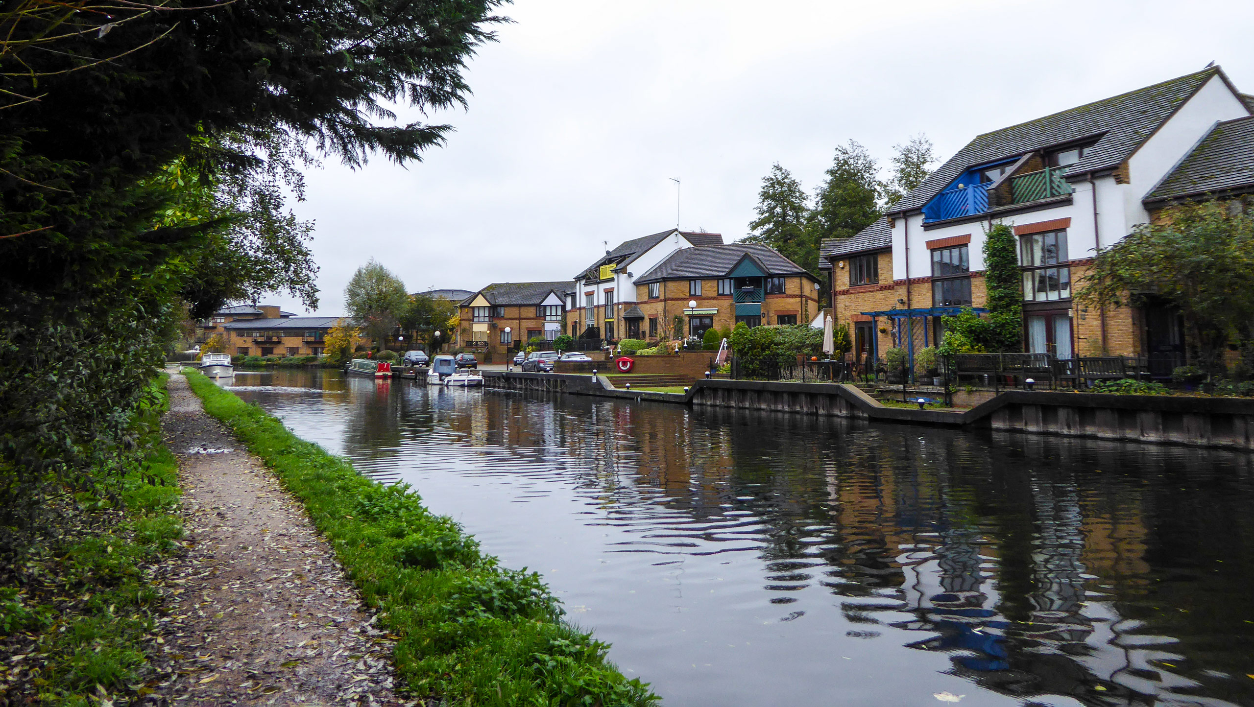 Old Mill and Grand Union Canal Walk