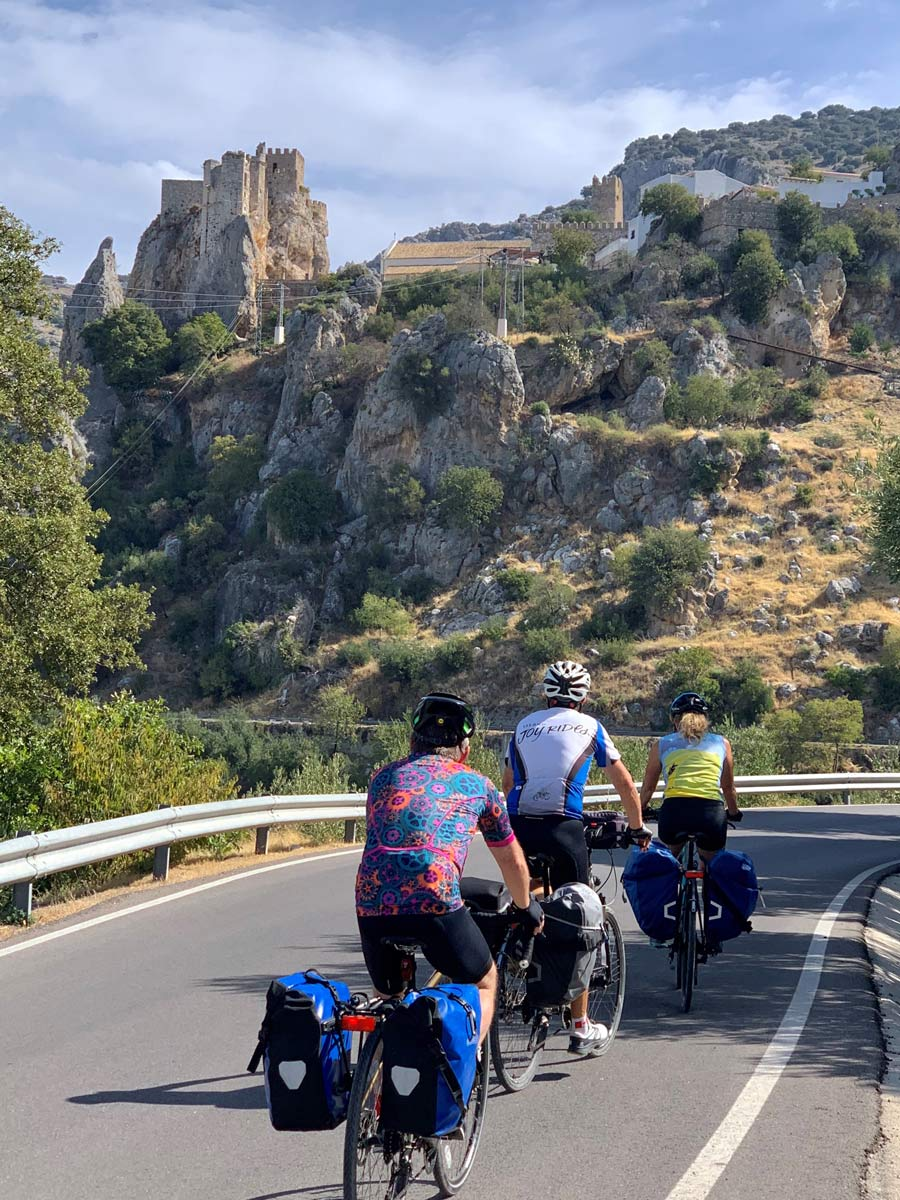 Group cycling in Spain
